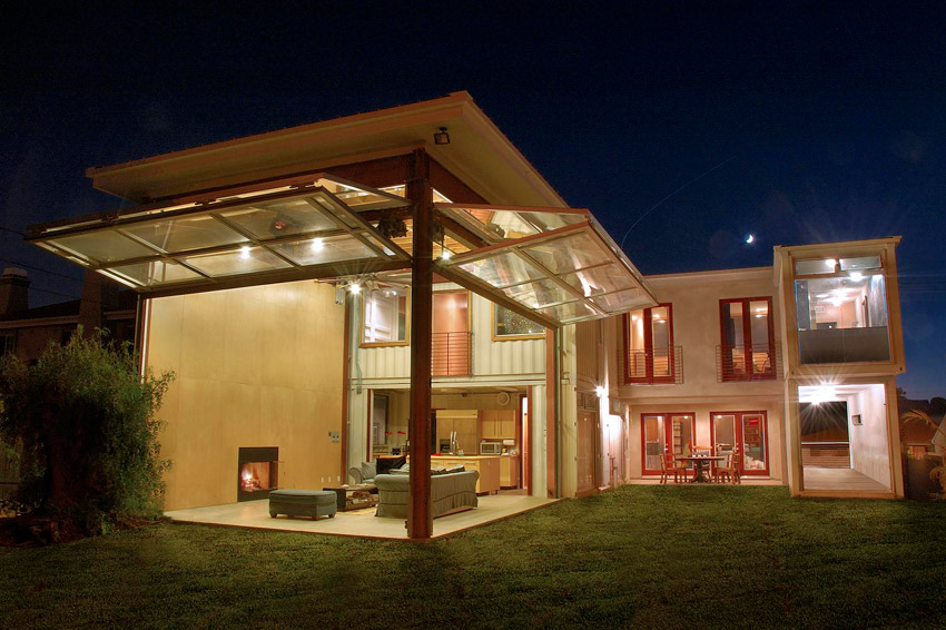 Uncontained living streamlining residential construction for Cargo home designs