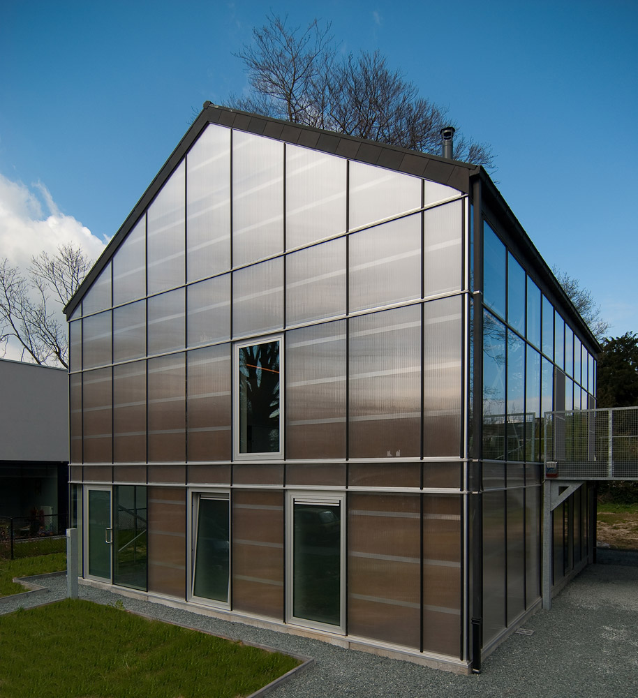 Showcase greenhouse features archinect for Sustainable homes design